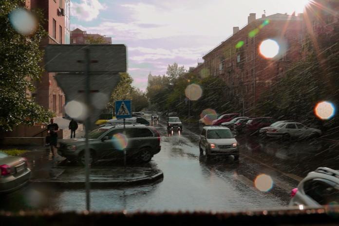 Дождливая, но теплая погода ожидает жителей Новосибирска в ближайшие выходные