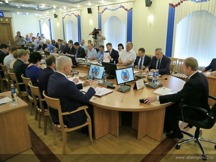 Губернатор Алтайского края: «Обстановка в ТК «Индустриальный» требует принципиальных решений»