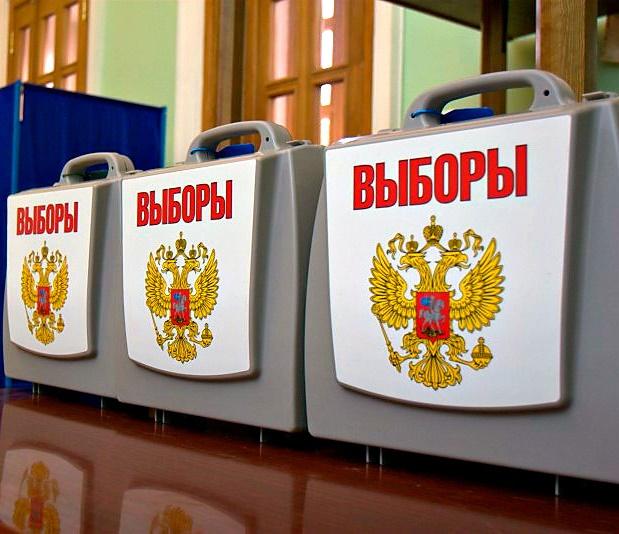 Два кандидата на пост глава республики Алтай сдали подписи в избирком для участия в выборах
