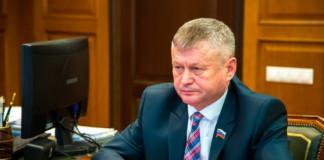 Следствие предъявило обвинение главе Ширинского района Хакасии, который напал на журналиста