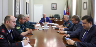 Специализированные самолеты МЧС могут подключить к тушению лесных пожаров в Красноярском крае