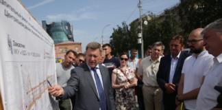 Мэр Новосибирска Анатолий Локоть поставил задачу к сентябрю полностью завершить капитальный ремонт Красного проспекта