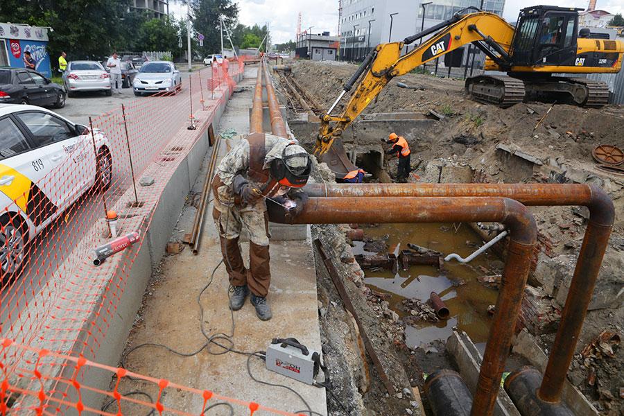 Мэр Анатолий Локоть: «До 15 августа на ул. Обской в Новосибирске отремонтируют 350 м теплотрассы»
