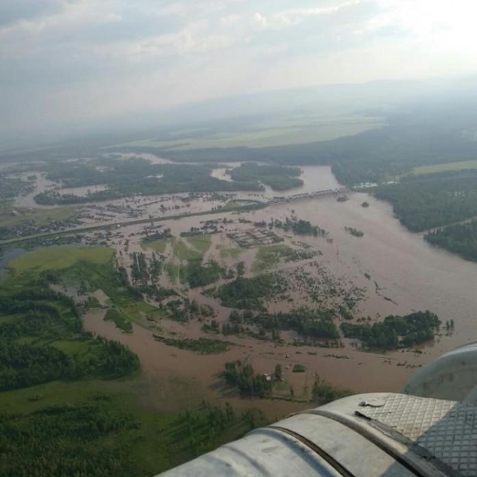 Почти две тыс жителей Иркутской области, пострадавшие от паводка, получили адресную помощь
