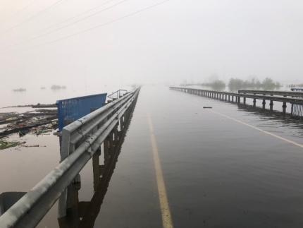 В Иркутской области из-за второй волны паводка подтопило часть федеральной трассы Р-255 «Сибирь»