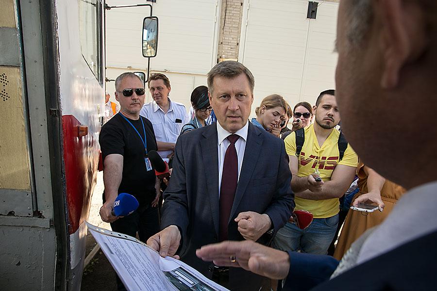 Анатолий Локоть проинспектировал новые трамваи и детские сады в Кировском районе Новосибирска