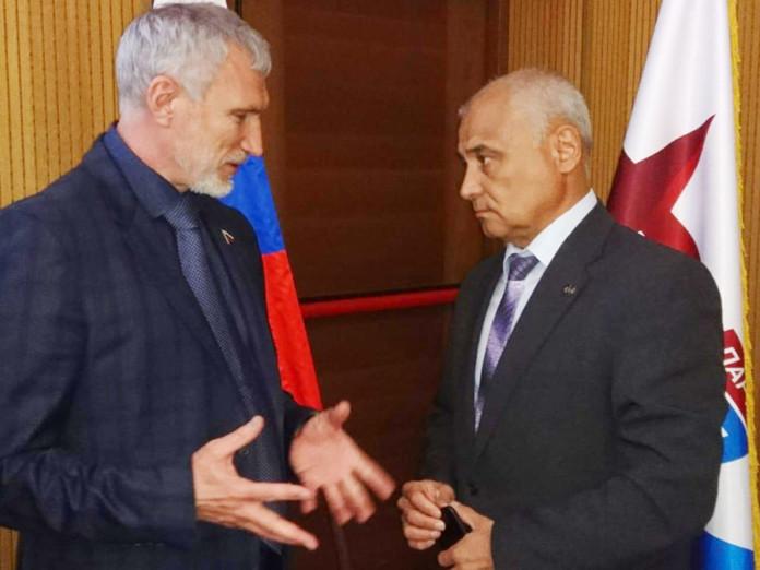 Алексей Журавлев (слева) и Данияр Сафиуллин