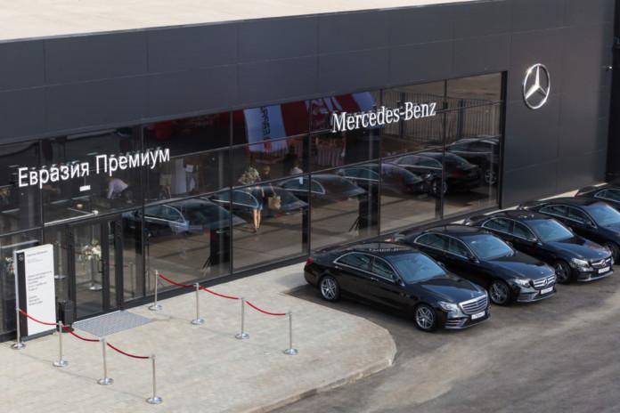 В Сибири открылся самый современный дилерский центр марки Mercedes-Benz