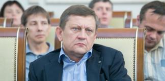 Суд Новосибирска продлил арест экс-директора клиники Мешалкина Александра Караськова