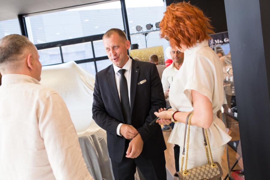 В Сибири открылся самый современный дилерский центр марки Mercedes-Benz - Изображение