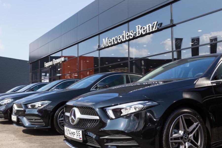 В Сибири открылся самый современный дилерский центр марки Mercedes-Benz - Фотография