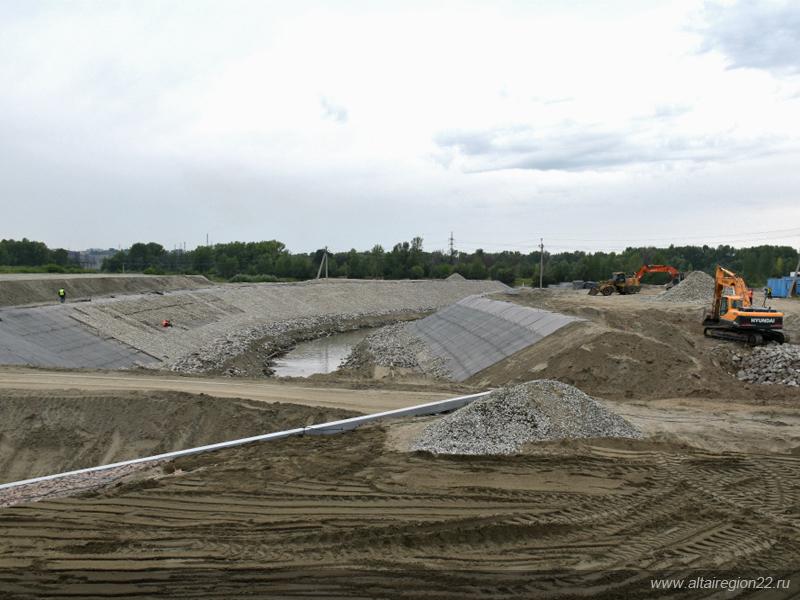Первый этап строительства гребного канала в Барнауле, стоимостью 300 млн рублей, практически завершен