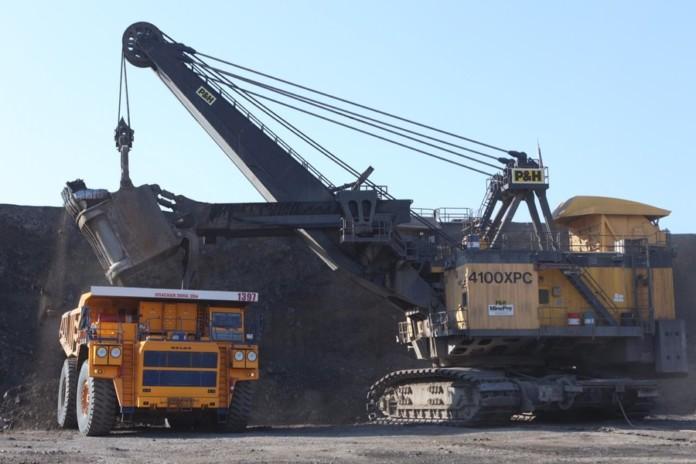 Горняки УК «Кузбассразрезуголь» установили новый мировой рекорд по отгрузке горной массы