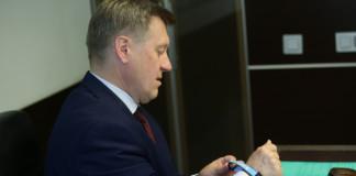«Умные браслеты» помогут старшему поколению в Новосибирске