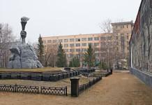 Мемориальный комплекс в новосибирском сквере Героев Революции отреставрируют за 12 млн рублей