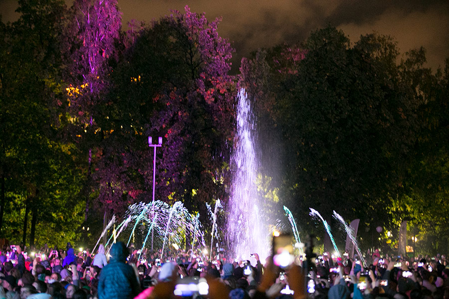 Герман Греф посетил Новосибирск: что может быть общего между юбилеем НГУ и фонтаном в парке - Фото