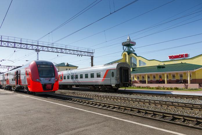 Миниатюра для: Уральским «Ласточкам» готовят место на железной дороге