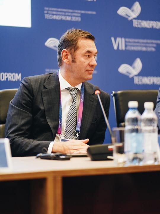 Андрей Кузяев: «Консолидация телеком-отрасли является таким же важным элементом цифровой экономики, как Интернет вещей» - Картинка
