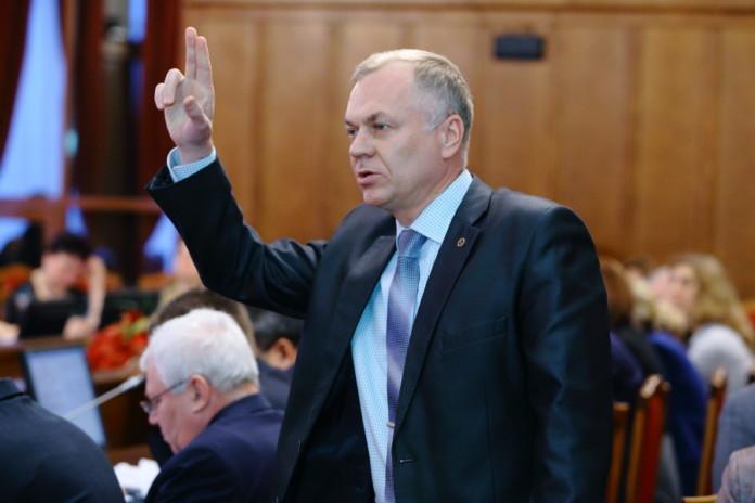 Миниатюра для: Подал в отставку министр культуры Новосибирской области Игорь Решетников