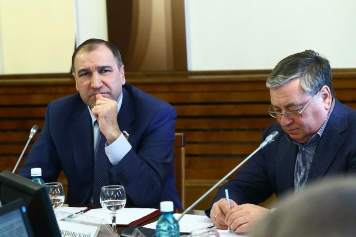 Депутаты строительного комитета Законодательного собрания Новосибирской области обсудили ситуацию с