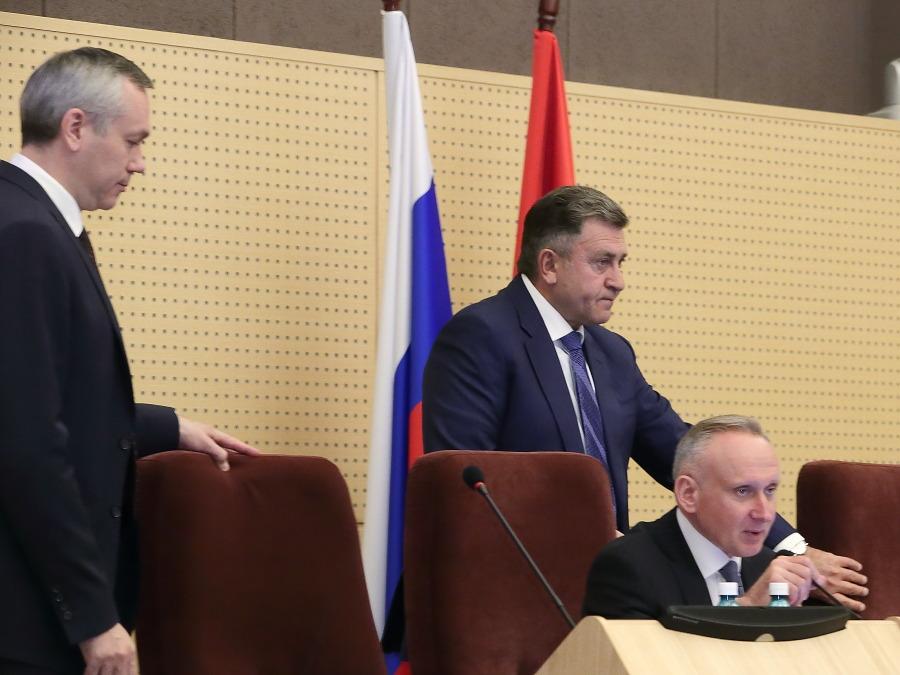 Новосибирская ЕР обсуждает, оставлять ли общеобластную «тройку» на следующих выборах