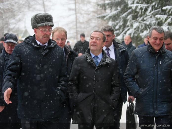 Миниатюра для: Дмитрий Медведев провел в Барнауле совещание по развитию сельских территорий