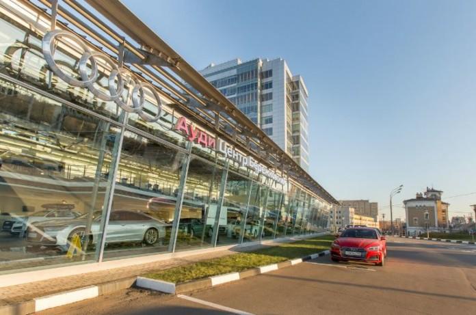 Миниатюра для: Владелец новосибирского дилера Lexus закрыл салон Audi в Москве