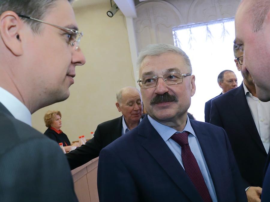 Александр Соболевский (в центре) и министр региональной политики Новосибирско области Игорь Яковлев (слева)
