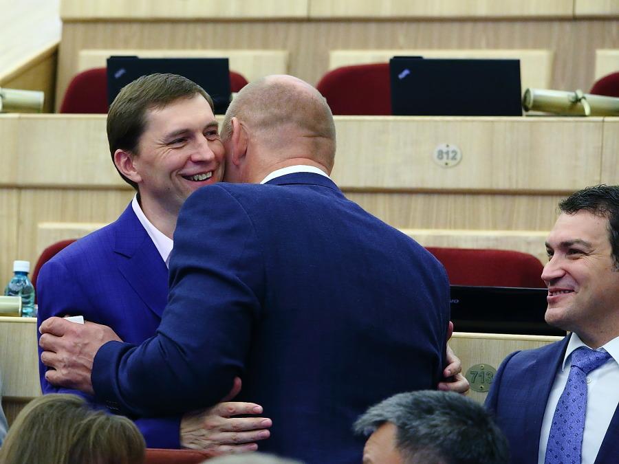 Съезд ЕР в Москве как тизер ближайших выборов в Новосибирской области - Фото