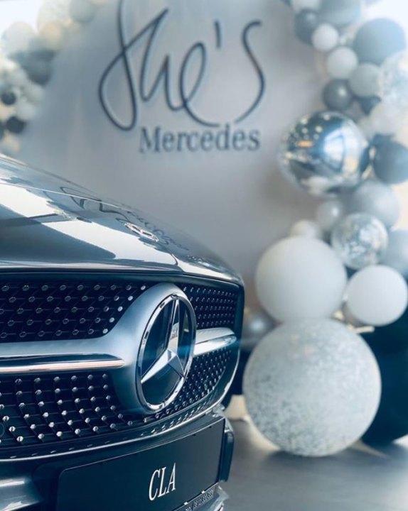 Миниатюра для: Новый сибирский дилер Mercedes-Benz провел мероприятие в рамках глобальной инициативы She's Mercedes