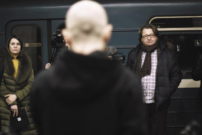 Миниатюра для: Путешествие с дикими гусями: что делали в ночном метрополитене театралы?