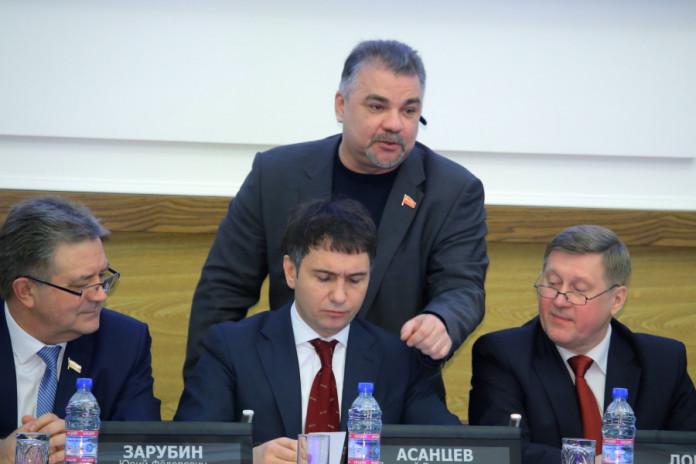 Миниатюра для: Вопрос о сохранении списков на выборах в Новосибирске будет решен только в 2020 году