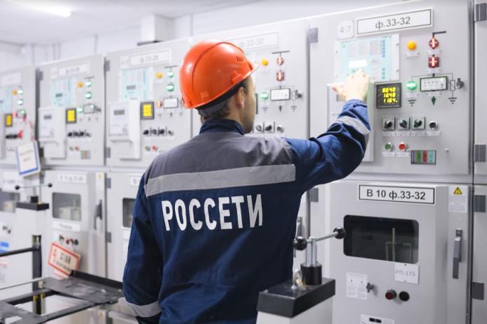 Миниатюра для: Министр энергетики РФ и глава «Россетей» запустили подстанции в Сибири