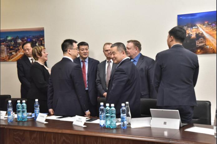 Миниатюра для: Заместитель губернатора Новосибирской области провел встречу с китайской делегацией