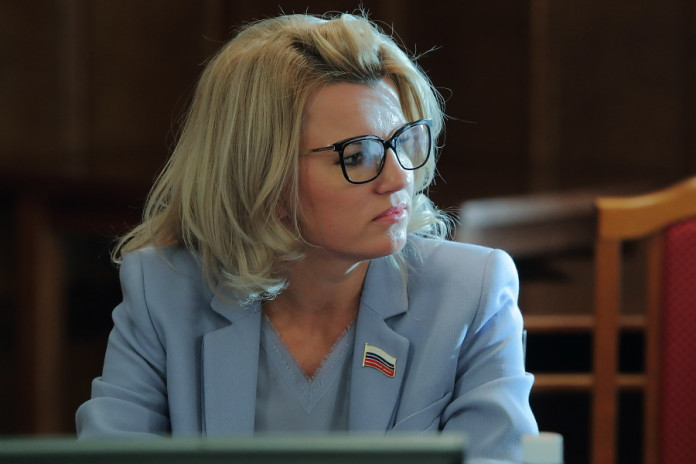 Миниатюра для: «Мы не замшелые ветераны»: Депутаты поддержали омоложение новосибирской науки