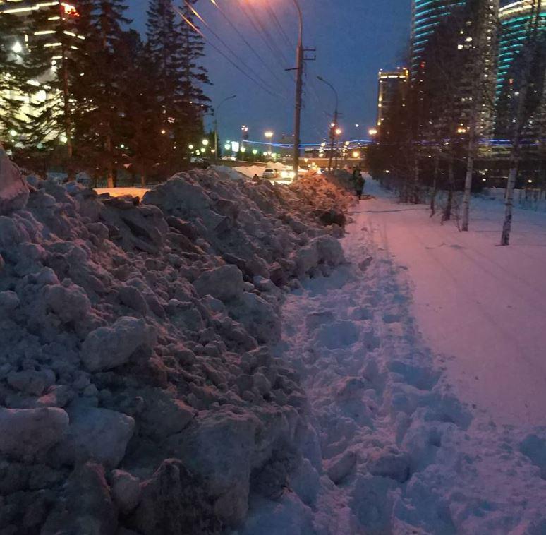 В мэрии Новосибирска назвали улицы, которые в ближайшее время очистят от снега - Фотография