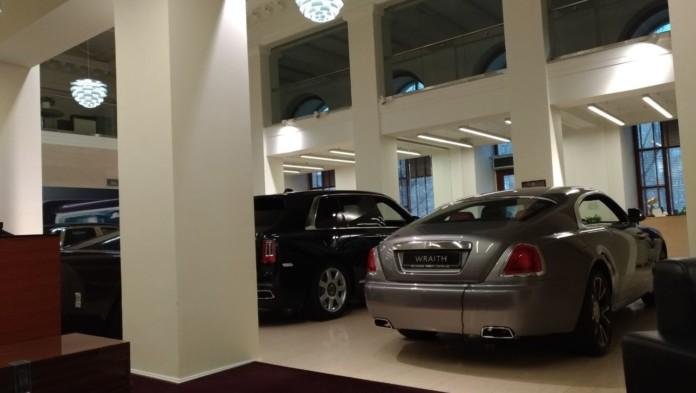 Миниатюра для: Стало известно, сколько и каких автомобилей люкс-брендов было зарегистрировано в Сибири в 2019 году