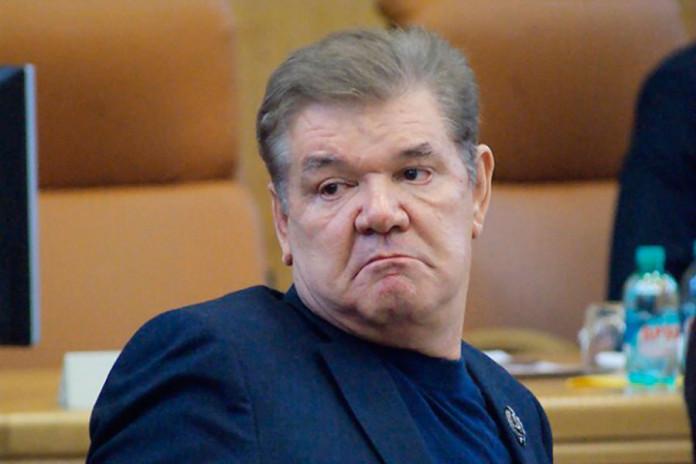 Красноярские власти через суд требуют вернуть территорию Предместной площади