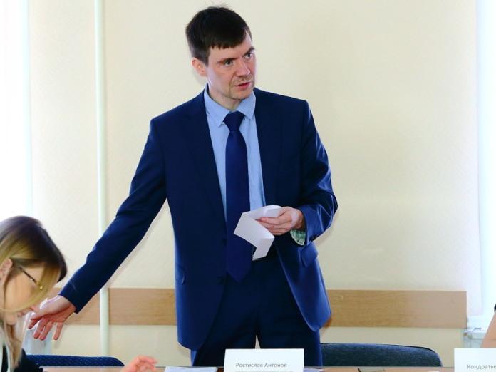 Миниатюра для: Новосибирских депутатов торопят с отменой партийных списков