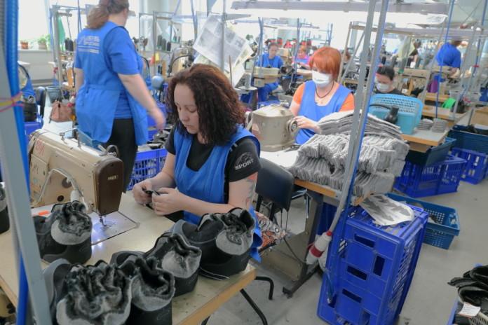 Миниатюра для: Новосибирская «Обувь России» получит московскую прописку
