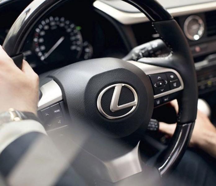 Миниатюра для: Японский Lexus удержал первое место по числу регистраций новых автомобилей среди премиум-брендов в Сибири
