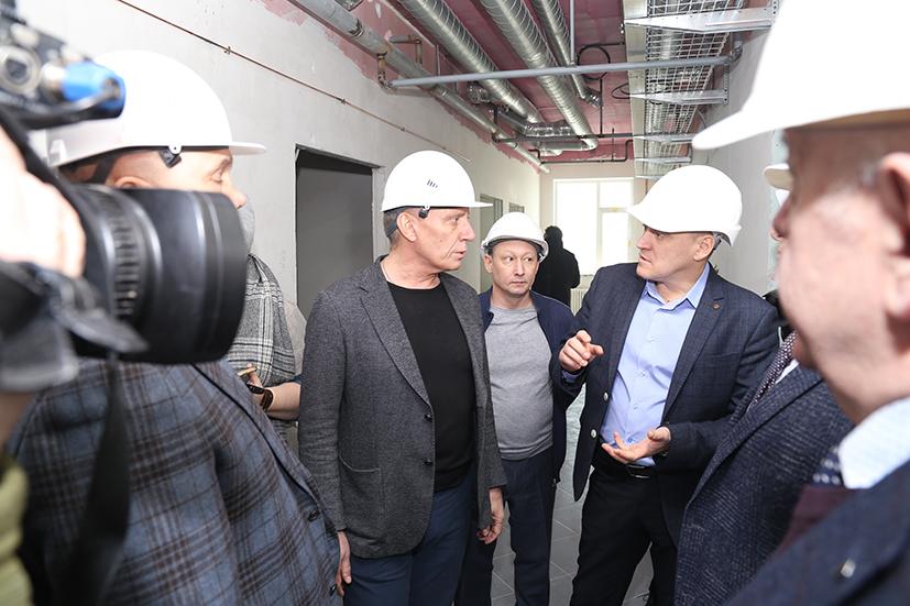 Перинатальный центр в Новосибирске начнут оснащать оборудованием до конца года - Фото
