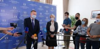 В правительстве Новосибирской области прорабатывают вариант введения масочного режима
