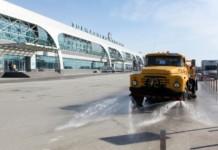 В новосибирском аэропорту Толмачево начали дезинфицировать привокзальный перрон