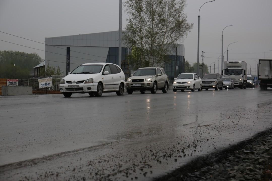 Четырехполосный участок улицы Кедровой в Новосибирске откроют в июне. Фото предоставлено мэрией Новосибирска