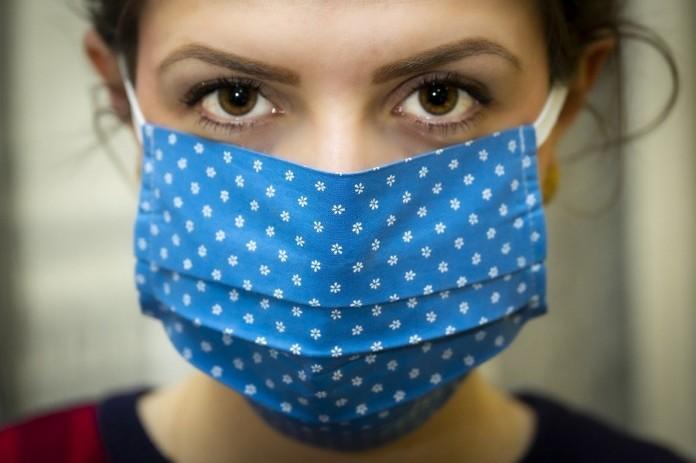 Миниатюра для: Швейные предприятия Новосибирска расширяют производство тканевых масок