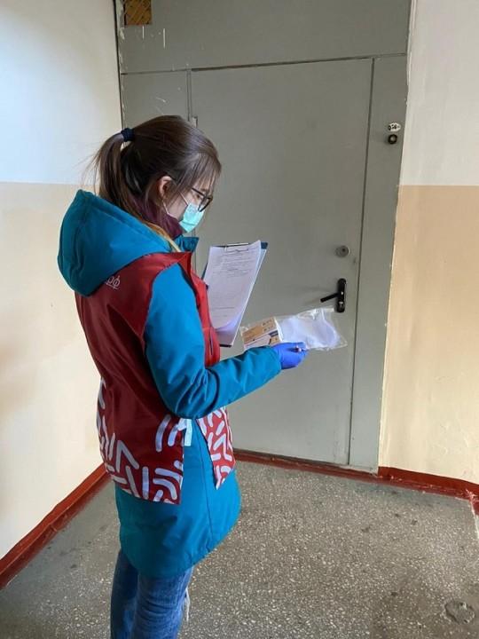 Новосибирские волонтеры получили от Сбербанка 11 тысяч масок - Фотография