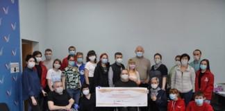 Новосибирские волонтеры получили от Сбербанка 11 тысяч масок