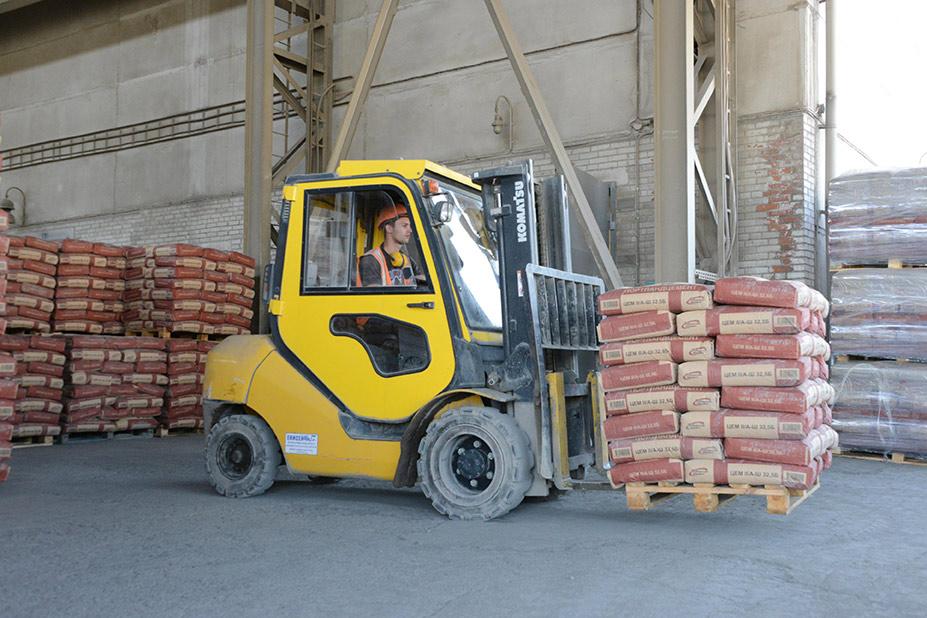 Геннадий Рассказов: «Предприятия «Сибцема» готовы к «высокому» строительному сезону» - Фотография