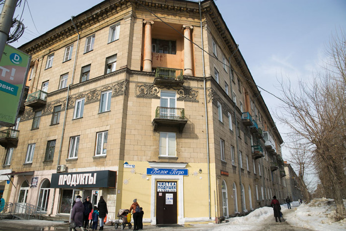 Правоохранители задержали новосибирских бизнесменов за незаконную реконструкцию и продажу помещений общежитий